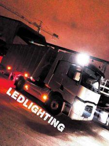 Ampoule led t10 veilleuse sur le haut de se camion